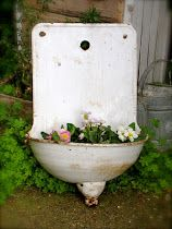 don't you just love this old european sink..
