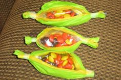 Preschool Crafts for Kids*: Thanksgiving Indian Corn Treat bags Craft