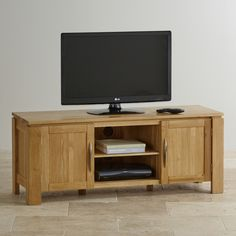 Give your TV and multimedia collection the wow factor with the stylish yet practical design of the Galway TV Unit.