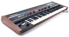 Duran Duran Save a Prayer Lead synth Intro su Roland Colud Juno 60 Vintage Synth, Vintage Keys, Music Machine, Drum Machine, Music Recording Equipment, Roland Juno, Analog Synth, Hammond Organ, Electric Piano