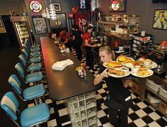 Rising from ashes, Oscar's Classic Diner named Small Business of the Year