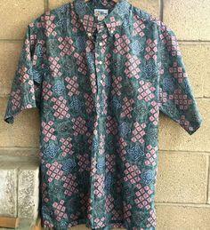 5e64b1ead98 Reyn Spooner Button Front Blue Pink Geometric Tiki Hawaiian Aloha Shirt   ReynSpooner  Hawaiian Aloha