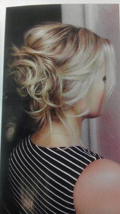 love her hair Hair color Great Hair! Hair hair up do tutorial Messy Bun Hairstyles, Pretty Hairstyles, Girl Hairstyles, Updo Hairstyle, Beautiful Haircuts, Hairstyle Ideas, Braid Hair, Messy Updos For Short Hair, Upstyles For Short Hair