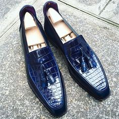 Handcrafted Mens Alligator Tassel Loafer SlipOn Shoes is part of Dress shoes men This loafer comes from the handmade collection of alligator leather but still, it is comfortable and affordable with - Loafers Outfit, Tassel Loafers, Loafer Shoes, Men's Shoes, Shoe Boots, Dress Shoes, Shoes Men, Dress Clothes, Gentleman Shoes