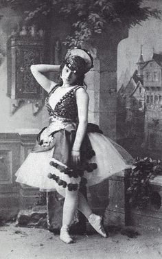 Photo of the Italian ballerina Virginia Zucchi (1847-1930) in the ballet La Esmeralda 1886.