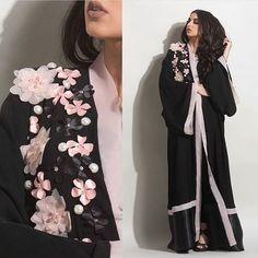 Вышивка. Техники, Идеи их интернета. Islamic Fashion, Muslim Fashion, Abaya Fashion, Fashion Outfits, Hijab Chic, Hijab Style, Abaya Style, Wedding Beauty, Wedding Day