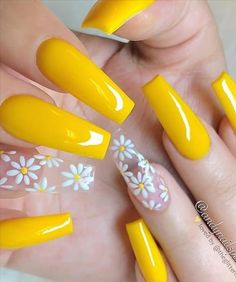 Acrylic Nails Yellow, Yellow Nail Art, Summer Acrylic Nails, Best Acrylic Nails, Acrylic Nail Designs, Nail Art Designs, Summer Nails, Nail Ideas For Summer, Pastel Nail Art