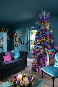 Top 40 Creative Christmas Tree Toppers - Christmas is incomplete with a beautifully decorated tree, and the tree is incomplete without an eye-catching tree topper. So, to help you, we have compiled a list of 40 beautiful and creative tree toppers for … Christmas Tree Design, Best Christmas Tree Toppers, Ugly Christmas Tree, Pretty Christmas Trees, Creative Christmas Trees, Beautiful Christmas, Christmas Trends, Peacock Christmas Tree, Country Christmas