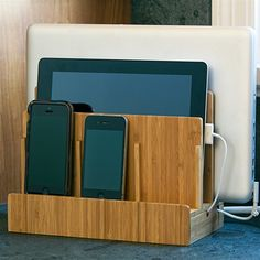 Kangaroom Storage Bamboo Multi-Charging Station Keep phones, laptops, tablets and other devices charged and organized. OFC01089BRKRSD