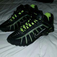 04fd38fa7c2e Barely worn MENS Nike Shox Size 11 black and green Men s Nike shox. Barely  worn