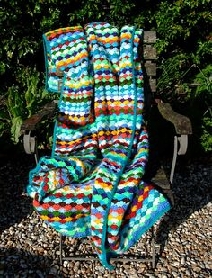Shell stitch blanket…. gorgeous!!