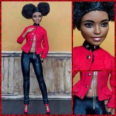 Becky #barbie #vidaooak #barbiestyle #barbiecollector #barbiecollection #barbieworld #dollcollection #dollcollector #dollphotogallery #dollphotography #style #hairstyle #itgirl #blog #blogger #instadoll #dolls #dollsgram #dollstagram #dudeswithdolls #instaphoto #photography #photoshoot #lookoftheday #toystagram #fashionista #afro #custom