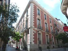 Palacio de los Duques de Santoña, después palacio Goyeneche y ahora Cámara de Comercio. C/Huertas esq. C/Príncipe.