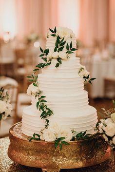 Carly + and + Brians + San + Antonio + Wedding - Tort weselny - . - Carly + and + Brians + San + Antonio + Wedding – Tort weselny – - Country Wedding Cakes, White Wedding Cakes, Elegant Wedding Cakes, Wedding Cake Designs, Wedding Cake Toppers, Country Weddings, Wedding Cake Simple, Publix Wedding Cake, Black And White Wedding Cake