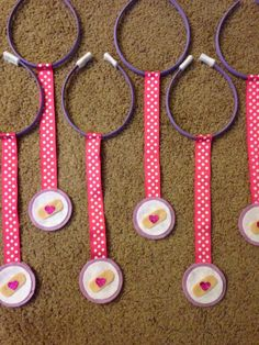 Doc Mcstuffins party favors stethoscope could easily diy Third Birthday, 4th Birthday Parties, Birthday Fun, Birthday Ideas, Doc Mcstuffins Birthday Party, Doc Mcstuffins Party Ideas, Bday Girl, Party Favors, First Birthdays