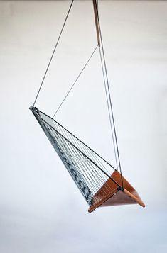 solo_cello_hanging_chair_felix_guyon_3