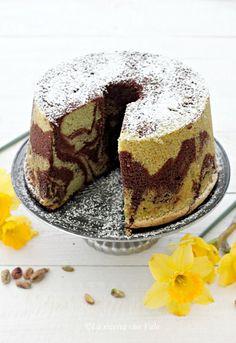 peanut butter mug cake Food Cakes, Torta Chiffon, Mini Cheesecake, Cacao Recipes, Peanut Butter Mug Cakes, American Cake, Plum Cake, Angel Cake, Love Cake