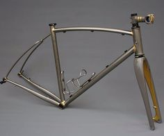 Clear coated frame with fork and stem painted to match #englishcycles #colorworks #custompowderworks