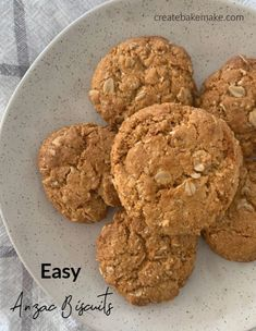 With ANZAC Day fast approaching, it only seems fitting to share this recipe for easy Anzac biscuits, I just love these biscuits! Cookie Recipes, Dessert Recipes, Thermomix Desserts, Bar Recipes, Lunch Recipes, Easy Anzac Biscuits, Australian Food, Aussie Food, Biscuit Recipe