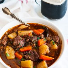 Slow Cooker Guinness Beef Stew recipe - Easily made ahead, Guinness Extra Stout adds rich flavor to this hearty Irish dish. Perfect for St. Guinness Beef Stew, Beef Stew Meat, Crockpot Recipes, Soup Recipes, Vegetarian Recipes, Recipies, Roasted Potato Salads, Roasted Cauliflower, Enchilada Casserole