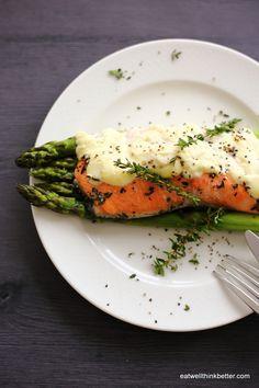 アスパラとサワークリームで♡豪華でおしゃれな鮭ホイル焼きの作り方♡