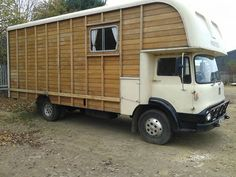 Bedford TK with Oakley solid mahogany body. Perfect for conversion to motor… School Bus Camper, Truck Camper, Camper Van, Vintage Trailers, Vintage Trucks, Old Used Cars, Mobile Living, Rv Living, Horse Box Conversion