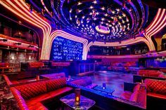 Learn how to gain VIP access to the Las Vegas nightclubs by connecting directly to the clubs or joining our free guest lists. The best nightclubs in Vegas are only a click away! Night Bar, Night Club, Best Nightclubs In Vegas, Las Vegas Club, Nevada, Nightclub Design, Neon Aesthetic, Stage Design, Places
