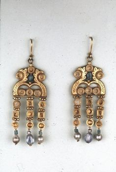 Pair of Earrings c. AD 600 Early Byzantine (Source: The British Museum)