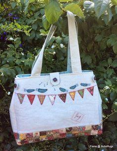 BubzRugz: Bag designed by Anni Downs