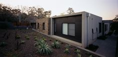 Eaglemont House - C Kairouz Architects Energy Conservation, Inside Outside, Open Plan Living, Large Windows, Residential Architecture, Natural Stones, Architects, Traditional, Building