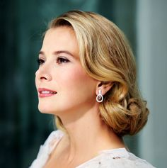 "Yuliya Vysotskaya as ""Grace Kelly"" )"
