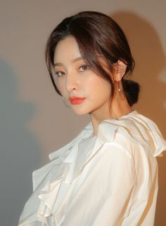 Byun Jungha, Different Makeup Looks, Ulzzang Girl, Korean Fashion, Fashion Photography, Ruffle Blouse, Casual, People, Model
