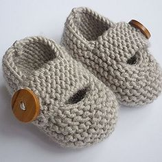 Keelan - Chunky Strap Baby Shoes : Modern and practical baby shoes knit in double knit weight yarn that will look great on either a boy or a girl. They are knitted flat, entirely in garter stitch, on two needles and are extremely quick and EASY to make. Baby Knitting Patterns, Baby Booties Knitting Pattern, Knit Baby Shoes, Knit Baby Booties, Baby Boots, Baby Patterns, Crochet Patterns, Booties Crochet, Doll Patterns