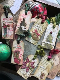 tag, christmas tags, festive things Sizzix Tim Holtz, An Early Christmas Treat Christmas Paper Crafts, Christmas Gift Tags, Xmas Cards, Christmas Treats, Vintage Christmas, Holiday Cards, Christmas Ornaments, Christmas Tags Handmade, Christmas Wrapping