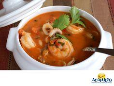 #gastronomiademexico Disfruta una deliciosa Cazuela de Mariscos en Acapulco. LOS MEJORES PLATILLOS. Los mariscos son una comida típica del puerto de Acapulco, y comerlos preparados en cazuela es delicioso. Para hacerla se usan distintos tipos de marisco y sus sabores se combinan logrando verdaderamente un platillo exquisito. Durante tus próximas vacaciones en el puerto de Acapulco te recomendamos probar esta delicia de comida. www.fidetur.guerrero.gob.mx