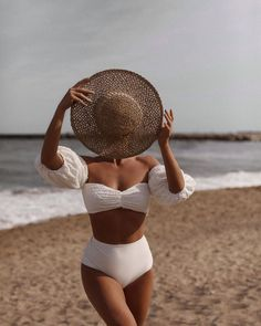 Be thankful for all the troubles you dont have. Endless summer Summer fashion Summer vibes Summer pictures Summer photos Summer outfits April 11 2020 at Boho Fashion Summer, Trendy Summer Outfits, Summer Dress Outfits, Summer Fashion Outfits, Rock Fashion, 80s Fashion, Petite Fashion, Fashion 2020, Korean Fashion