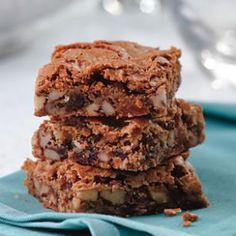 Low Carb Nana's Creole Pecan Cake Bars Recipe  | www.getfitglobal.com. Per bar: 132 calories; 7 g fat ( 2 g sat , 3 g mono ); 18 mg cholesterol; 17 g carbohydrates; 9 g added sugars; 1 g protein; 1 g fiber; 43 mg sodium; 90 mg potassium.