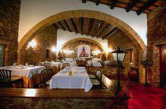 """Saló """"Principal"""". Acollidor, cuidat i elegant, de decoració i inspiració tradicional, amb fàcil accés directe al jardí i pàrking.   Capacitat: 60p. banquet / 80p. còctel. #cuina #restaurants #girona #emporda #palafrugell #pals #costabrava #catalunya"""