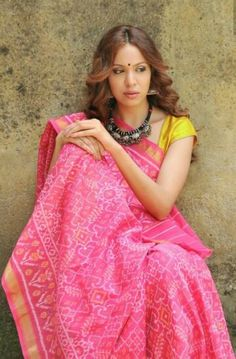 Pink manekchok designe rajkot patola saree