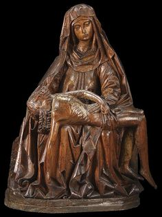 116: VERY FINE GOTHIC CARVED WOOD PIETA, CIRCA 1470 : Lot 116