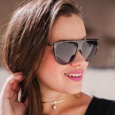 Óculos de sol com design reto com lente gradiente e armação mesclado em  preto e branco ba25bdbfea