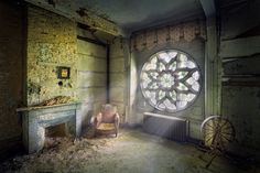 trapped in solitude by Sven Fennema = Abandoned chateau in france Abandoned Buildings, Abandoned Mansions, Old Buildings, Abandoned Places, Beautiful Buildings, Beautiful Places, Old Houses, Habitats, Castle