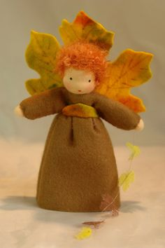 Autumn Fairy - Flower Child - Waldorf Inspired - Nature Table The little Girl is made of 100 % wool-felt, fairy tale-wool and tricot The doll is approx. Waldorf Crafts, Waldorf Dolls, Autumn Fairy, Felt Fairy, Nature Table, Nature Nature, Nature Crafts, Theme Noel, Autumn Crafts