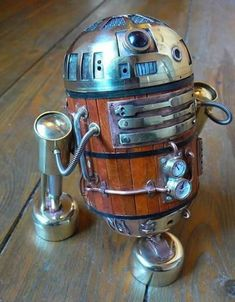 Steampunk R2D2  Another steampunk device that serves no purpose other than looking extremely cool, this R2D2 sculpture was crafted out of ...