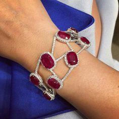 Tennis Armband in Silber & Gold Diamond Bracelets, Gemstone Bracelets, Bangle Bracelets, Bangles, Ruby Jewelry, Fine Jewelry, Necklace Designs, Diamonds, Bling