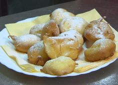 Almás desszert | Gasztroangyal Fritters, Pretzel Bites, Donuts, Deserts, Muffin, Bread, Cake, Recipes, Food