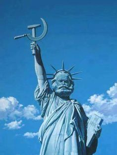 nice picture of karl marx as the freedom statue ! Political Art, Political Memes, Political Posters, Communist Propaganda, Propaganda Art, Benfica Wallpaper, Funny Images, Funny Pictures, Russian Memes