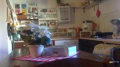 La penisola della cucina è ricavata da un cassettone della nonna