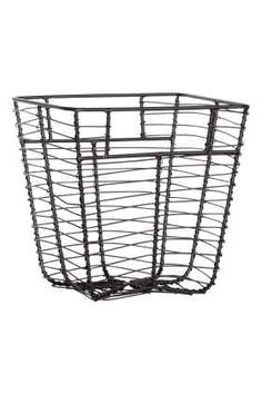 Small metal wire basket