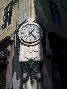 Observatório dos Relógios Históricos de Lisboa: O relógio da ... observatoriorelogioshistoricos.blogspot.com242 × 320Pesquisar por imagens O relógio da esquina da Rua da Betesga, esquina com o Rossio, zona da Baixa de Lisboa, Portugal